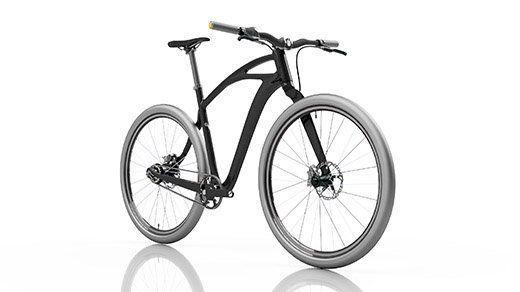 Vista frontal lateral de la bicicleta con el cuadro negro