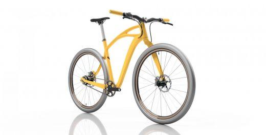Vista frontal lateral de la bicicleta con el cuadro naranja