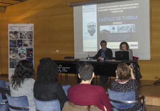 Avelino Gutiérrez y Patricia Suárez durante su conferencia