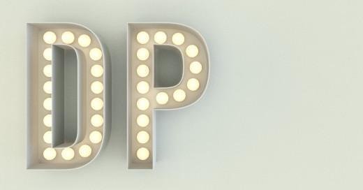 Letras DP luminosas