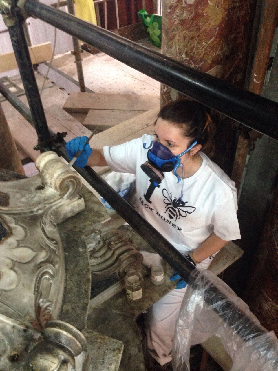 Alumna de restauración trabajando durante prácticas Erasmus+