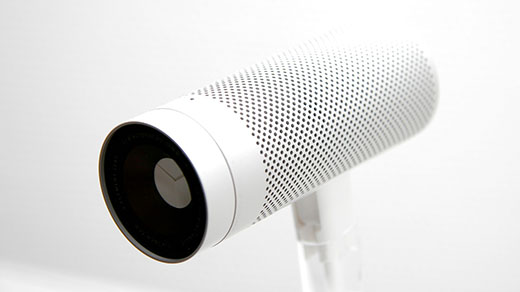 Fotografía de una webcam blanca. Imagen de Bernd Scheurer en Pixabay